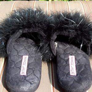 Betsey Johnson slippers